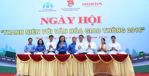 Xây Dựng Hình Ảnh Đẹp Của Tuổi Trẻ Về Văn Hóa Giao Thông|Công Ty Tnhh Quang  Nguyễn